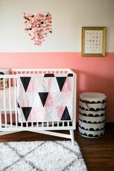 Beautiful Babyzimmer Dekoration Rosa Stuhl Sessel Ideen Hase Deko An Der Wand Hocker  Babybett Kasten Wolken Deko | Tolle Kinderzimmer Designs | Pinterest