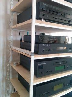 IKEA Antonius multi-tiered hi-fi rack – IKEA Hackers – Audio rooms Hifi Stand, Speaker Stands, Stackable Shelves, Diy Rack, Server Rack, Living Room Entertainment Center, Home Tech, Audio Room, Tutorials