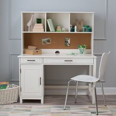 Bennington Desk with Optional Hutch and Bookcase - Vanilla - MEIE028-2, Classic Playtime