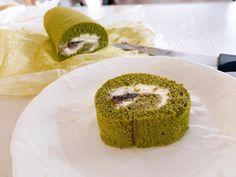 こんにちはご訪問ありがとうございます♡岐阜県瑞穂市で自宅料理教室主宰のsakiですまずレシピ抹茶と餡子の米粉シフォンロールケーキ❤︎グルテンフリーノンオイル… Doughnut, Desserts, Food, Tailgate Desserts, Dessert, Postres, Deserts, Meals