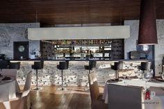 Фото интерьера бара ресторана в эко стиле
