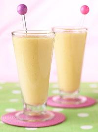 **tried - yummy! ** Mango Banana Smoothie cups cut-up chilled mango, strawberries, and/or papaya 2 medium bananas, cut-up 1 cup orange juice cup ice cubes 1 tsp. Smoothies Banane, Yummy Smoothies, Juice Smoothie, Smoothie Drinks, Refreshing Drinks, Summer Drinks, Fun Drinks, Healthy Drinks, Healthy Recipes