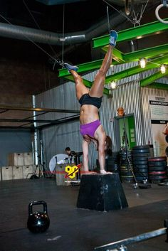 My hero-Camille Leblanc-Bazinet -True handstand Crossfit Games, Crossfit Athletes, Crossfit Chicks, Crossfit Inspiration, Fitness Inspiration, Camille Leblanc Bazinet, Yoga Fitness, Health Fitness, Crossfit Motivation