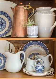 Love these ideas for adding blue and white to your decor. Love these ideas for adding blue and white to your decor. Blue Dishes, White Dishes, Copper Dishes, White Kitchen Decor, White Decor, Blue And White China, Blue And Copper, Home Decor Accessories, Decorative Accessories