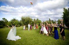 Résultats Google Recherche d'images correspondant à http://thebridenextdoor.fr/WordPress3/wp-content/uploads/2012/11/lancer-bouquet-mariage-...