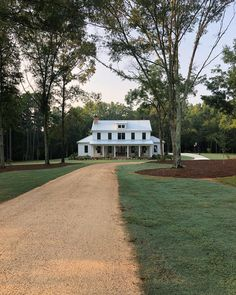 old farmhouse exterior design ideas 32 ~ mantulgan.me old farmhouse exterior design ideas 32 ~ mantulgan. Modern Farmhouse Design, Modern Farmhouse Exterior, Rustic Farmhouse, Cottage Farmhouse, Farmhouse House Plans, Simple Farmhouse Plans, Farmhouse Style, Southern Farmhouse, Farmhouse Ideas