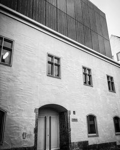 Alter Hof München - die Burg von Ludwig dem Strengen in München - etwas moderner als im 13. Jahrhundert. Im nächsten Roman wird dies einer der Schauplätze werden.  #bookstagram #autor #writing #selfpub #mpfund #münchen #photography #architecture #munich #onmyway #buch #bücher