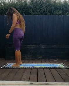 There are a lot of yoga poses and you might wonder if some are still exercised and applied. Yoga poses function and perform differently. Each pose is designed to develop one's flexibility and strength. Fast Weight Loss Tips, Yoga For Weight Loss, Yoga Routine, Yin Yoga, Yoga Inspiration, Inspiration Fitness, Yoga Position, Yoga Posen, Flexibility Workout