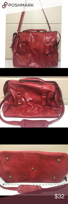 HUGE BATH BODY WORKS RED FAUX CROC TRAVEL BAG HUGE BATH BODY WORKS RED FAUX CROC TRAVEL BAG IN GREAT CONDITION Bath and Body Works Bags Travel Bags