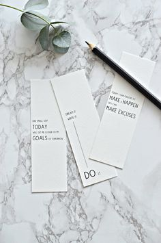 Want to know how to set goals and achieve them? These tips will ensure you achieve your goals plus there's a free printable to make it even easier. Creative Bookmarks, Cute Bookmarks, Paper Bookmarks, Bookmark Craft, How To Make Bookmarks, Bookmark Ideas, Watercolor Bookmarks, Crochet Bookmarks, Free Printable Bookmarks