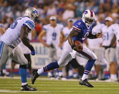 Thad Lewis #9 of the Buffalo Bills runs against the Detroit Lions at Ralph Wilson Stadium on August 29, 2013 in Orchard Park, New York. (Photo by Rick Stewart/Getty Images)