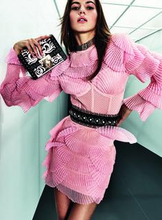 Get inspired and discover Balmain trunkshow! Shop the latest Balmain collection at Moda Operandi. Diva Fashion, Fashion Kids, Fashion 2018, Couture Fashion, Editorial Fashion, Runway Fashion, Fashion Models, Fashion Show, Fashion Dresses