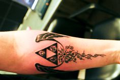 1000 images about tattoos on pinterest cardcaptor for Triforce hand tattoo