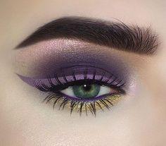 Purple smoky eye gold undershadow beauty killer palette jeffree star scorpio winged eyeliner