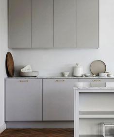 three Requirements For Understanding Trendy Kitchen Cupboard Designs Kitchen Cupboard Designs, Modern Kitchen Cabinets, Kitchen Flooring, Kitchen Countertops, Kitchen Interior, Country Look, Latest Kitchen Designs, Magazine Deco, Nordic Kitchen