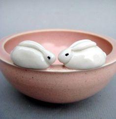 bunny bowl by JustLinnea Pottery Bowls, Ceramic Pottery, Pottery Art, Ceramic Clay, Ceramic Bowls, Stoneware, Ceramic Animals, Clay Animals, Sculptures Céramiques