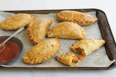 A traditional snack, as this recipe was brought to South Australia by Cornish miners. Hp Sauce, Vegetable Pasties, Simply Yummy, Cornish Pasties, Australian Food, Aussie Food, Homemade Tomato Sauce, Sausage Rolls, Baking Recipes