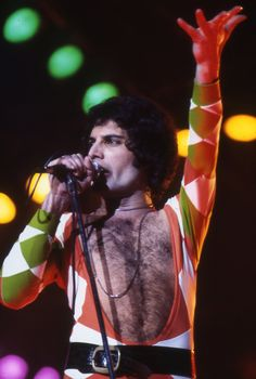 "freddiethequeen: ""Freddie Mercury | Jazz Tour "" Brian May, John Deacon, Foo Fighters, Mr Fahrenheit, Roger Taylor, We Will Rock You, Queen Freddie Mercury, Queen Band, Killer Queen"