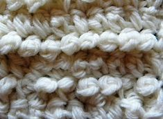 The single crochet French knot stitch looks a lot like an embroidery French knot. It can be used in place of individual single crochet stitches in various patterns, or as an all-over stitch. Sewing Stitches, Crochet Stitches Patterns, Fabric Patterns, Stitch Patterns, Knit Stitches, Crochet Edgings, Afghan Patterns, Japanese Embroidery, Crewel Embroidery