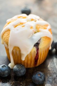 These lemon blueberry muffins are bursting with fresh blueberry flavor. This blueberry muffin recipe has a soft and moist crumb and they puff up perfectly. The easy lemon glaze recipe makes them completely irresistible and they always disappear fast! Muffin Recipes, Cupcake Recipes, Baking Recipes, Cupcake Cakes, Dessert Recipes, Cupcakes, Lemon Blueberry Muffins, Blueberry Recipes, Blue Berry Muffins