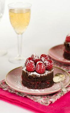 Gâteau au chocolat noir et framboises