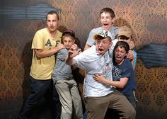 30 Pictures of People Freaking Out at a Haunted House