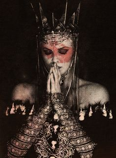 Charlize Theron - Evil Queen - Snow White and the Huntsman Foto Fantasy, Dark Fantasy, Fantasy Girl, Images Esthétiques, Dark Queen, Red Queen, Snow Queen, Warrior Queen, Warrior Princess