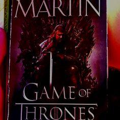 I gang med bøgerne efter at have set første sæson.