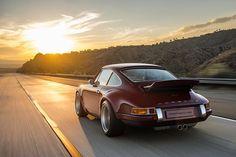 A Singer Porsche chasing the sun   (via Singer Vehicle Design)