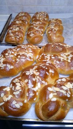 Greek Desserts, Greek Recipes, Bakery Menu, Greek Easter, Food Gallery, Greek Cooking, Almond Cookies, Pretzel Bites, Hot Dog Buns