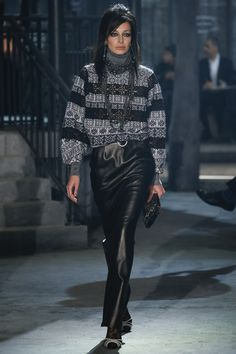 Chanel Pre-Fall 2016 Fashion Show - ''Paris in Rome'' - Bxy Frey