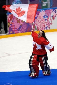 In Photos: Golden day on the ice for team Canada at Sochi Games Women's Hockey, Hockey Girls, Hockey Players, Women's Curling, Hockey Boards, Goalie Mask, Canadian History, Winter Games, National Hockey League