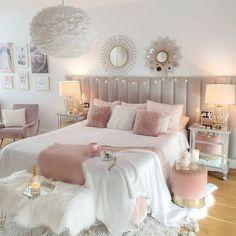 Tamara • Decoración & Home (@tamishome) • Instagram photos and videos Bling Bedroom, Pink Bedroom Design, Girl Bedroom Designs, Cute Bedroom Ideas, Room Ideas Bedroom, Bedroom Themes, Bedroom Decor, Dream Rooms, Dream Bedroom