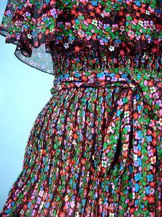 Yves Saint Laurent - 1976 - Chiffon peasant dress - Detail.