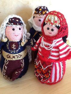 A gaggle of Talin Dolls...
