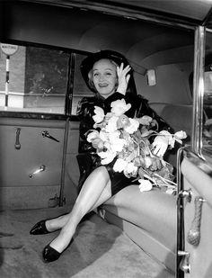 Marlene Dietrich (I can't breathe...)