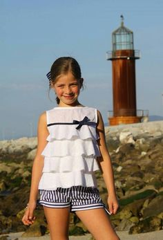 Try using only the top and bottom ruffles? No bulk added to waist line. Little Girl Fashion, Teen Fashion, Child Fashion, Little Girl Dresses, Girls Dresses, Kids Frocks, Kids Wear, Baby Dress, Cute Dresses