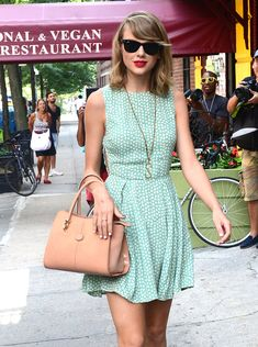 Taylor Swift with Tod's Sella Tote