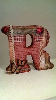 Scrap. Letra R de madera decorada by carme