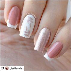 Diy Discover Semi-permanent varnish false nails patches: which manicure to choose? - My Nails Nail Manicure Gel Nails Nail Polish Glitter Nails Cute Acrylic Nails Pastel Nails Short Nail Designs Simple Nail Designs Nail Art Designs Pastel Nails, Cute Acrylic Nails, Pink Nails, Cute Nails, My Nails, Grow Nails, Glitter Nails, Pretty Nail Art, Dream Nails