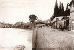 Via Marmorata prima della costruzione dei muraglioni, questo tratto del Lungotevere rimarrà intatto fino agli anni '20 del '900 Anno: 1880 – 1885