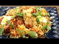Recipe for Spicy Chicken Biryani: It's one of the most exotic Indian chicken recipes to try out. I have tweaked this recipe a bit for the. Indian Food Recipes, Asian Recipes, Whole Food Recipes, Ethnic Recipes, Briani Poulet, Ramzan Special Recipes, Chats Recipe, Sunday Recipes, Fall Recipes