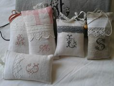 ☆...☆...☆... ........................... . Plus Lavender Bags, Lavender Sachets, Pin Cushions, Needlework, Sewing Projects, Creations, Cross Stitch, Reusable Tote Bags, Embroidery
