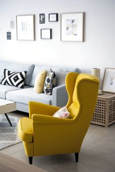 living room color scheme ideas Awesome 41 Wonderful Spring Scandinavian Decor With Yellow Color Schemes For Awesome Living Room Living Room Color Schemes, Living Room Colors, Living Room Grey, Home Living Room, Interior Design Living Room, Living Room Designs, Living Room Decor Yellow, Living Room Color Combination, Poltrona Bergere