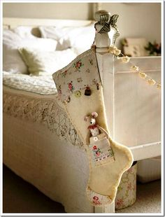 love this vintage style of a Christmas stocking