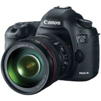 Canon EOS 5D Mark III DSLR with EF 24-105mm f/4L IS USM Lens
