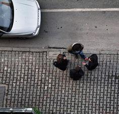 Muhabbet // Conversation #kadrajturkiye #kadraj_arkasi #photooftheday #turkobjektif #turkinstagram #turk_kadraj #turkeystagram #turkobjektif #kusbakisi #birdview #birdview #street_photo_club #streetphotography #streetscene #streetcandid #streetcandid_worldwide #streetcapture #streetphoto #hikaricreative #hartcollective #sokakfotografciligi #trabzon #conversation #muhabbet