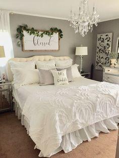 Amazing Small Modern Farmhouse Bedroom Decor Ideas For You Home Modern Farmhouse Bedroom, Rustic Farmhouse, Modern Bedroom, Farmhouse Style, Trendy Bedroom, Contemporary Bedroom, White Rustic Bedroom, Shabby Chic Bedrooms, Bedroom Classic