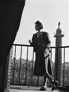 """(traduzindo a frase acima – """"Eu sonhei com esta casa e terei orgulho dela carregar o meu nome"""" César Ritz) O escritor Marcel Proust encontrou inspiração para sua obra no Ritz. Chanel transformou o hotel em sua casa, por lá viveu 34 anos. A realeza, magnatas, estrelas de cinema e da moda, desde sua abertura […]"""
