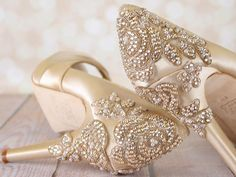 Gold Vintage Inspired Wedding Shoes with Crystal Rose Heel - Ellie Wren Crystal Rose, Crystal Wedding, Champagne Wedding Shoes, Art Deco Wedding, How To Make Shoes, Vintage Shoes, Bridal Shoes, Wedding Accessories, Recyclable Items